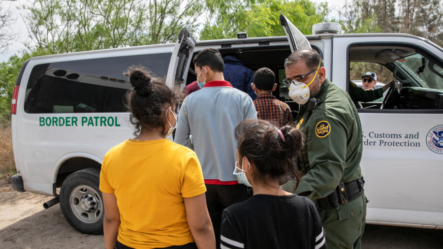 Over 16,000 Illegal Aliens Referred, 598 Criminals Arrested in March by Texas Troopers