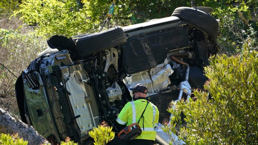 Authorities Reveal Cause of Tiger Woods' Crash