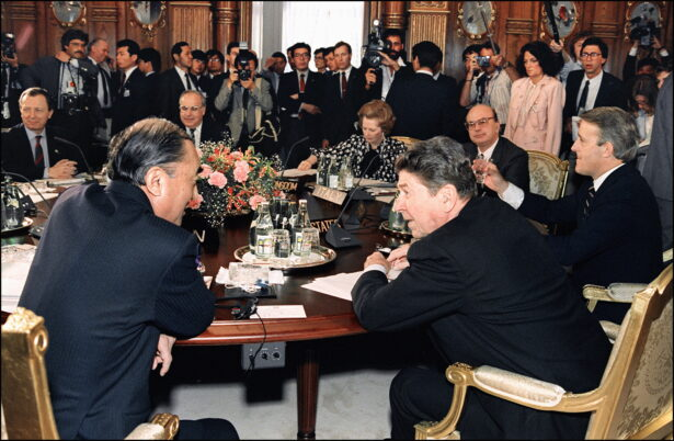 Reagan leading industrial countries summit