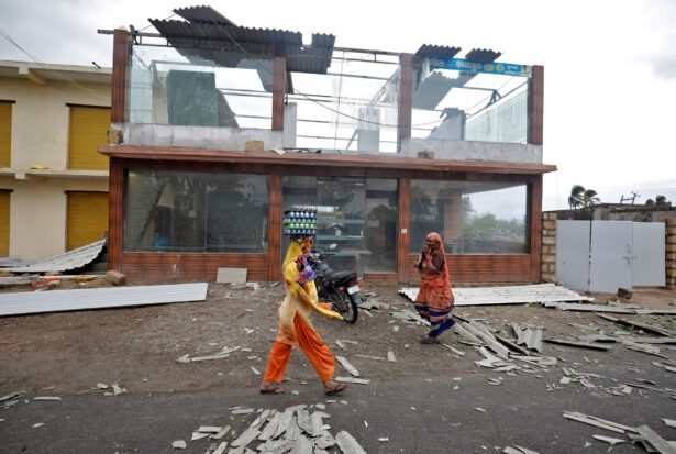 cyclone hits India