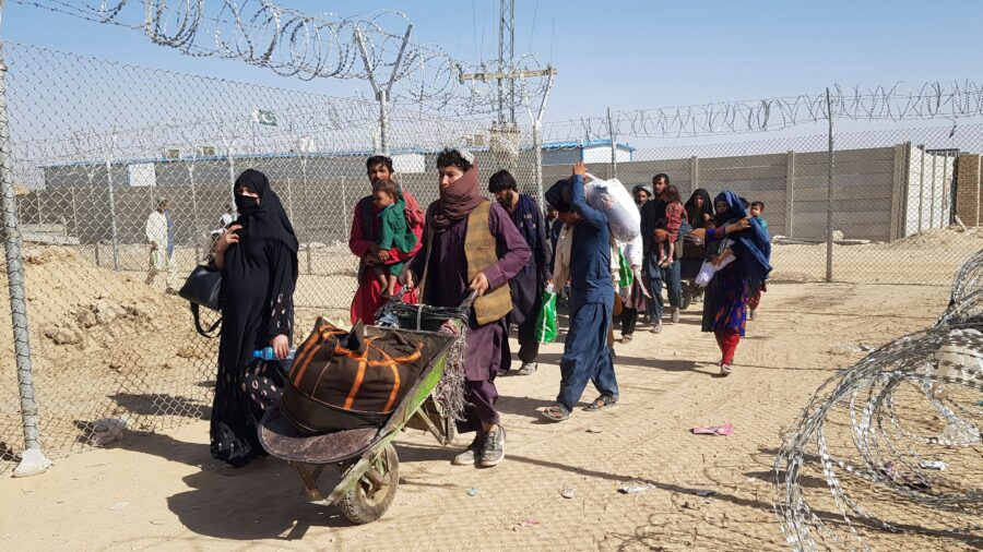 500,000 Afghans Likely to Seek Refuge in Other Countries, UN Warns