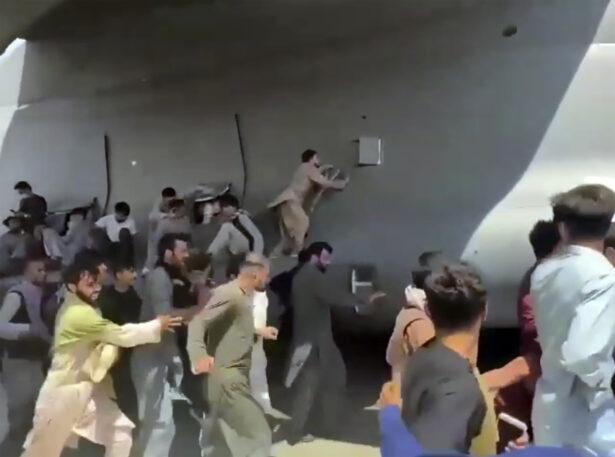 people run along plane