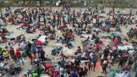 Thousands of Illegal Immigrants Amass Under Bridge in Texas