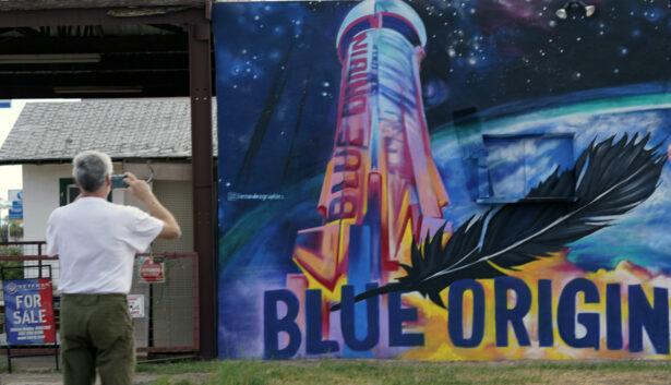 makes a photo of a Blue Origin